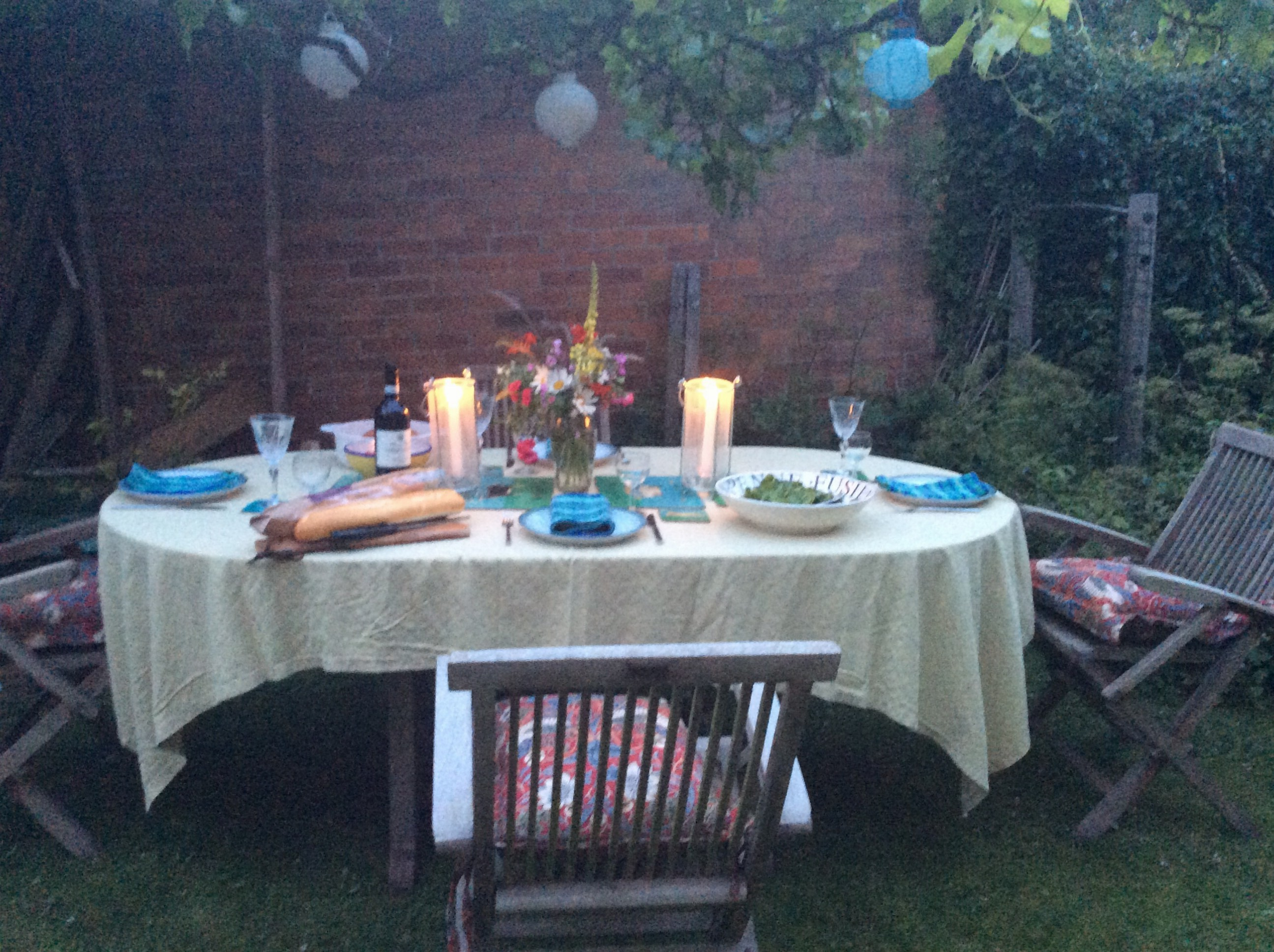Before another lovely meal with Nicky and Noel in the country.
